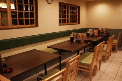本店テーブル席